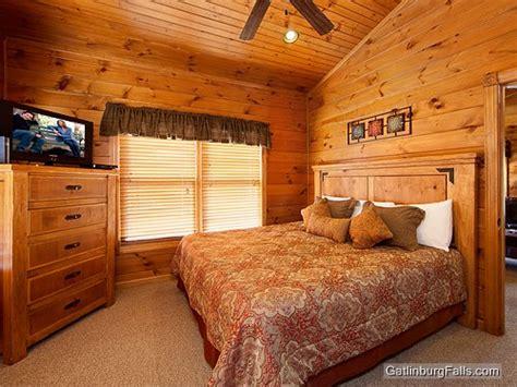 gatlinburg cabins 1 bedroom gatlinburg cabin relaxation 1 bedroom sleeps 8