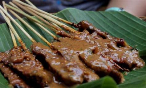 wisata kuliner rumah makan  solo  rombongan
