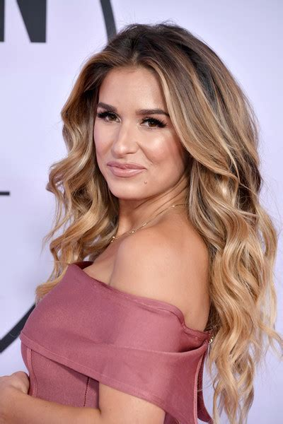 jesse james long hair jessie james decker long wavy cut long hairstyles
