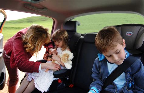 leaving in car revealed the disturbing reasons why parents leave alone in the car