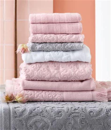 rethinking pink 9 bathrooms in blush tones remodelista best 25 pink bathrooms ideas on pinterest pink