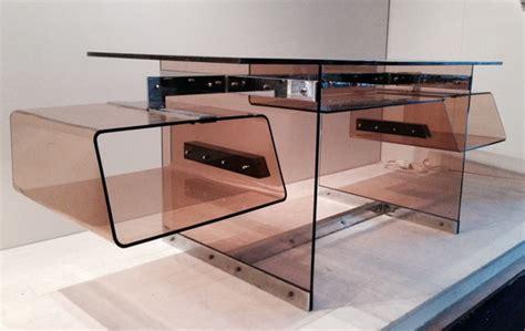 bureau plexi bureau futuriste en plexi