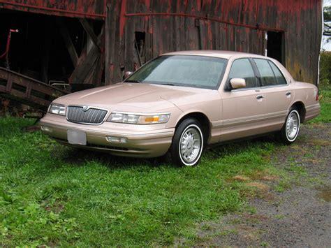 mercury grand marquis sedan cars com overview cars com 1996 mercury grand marquis user reviews cargurus