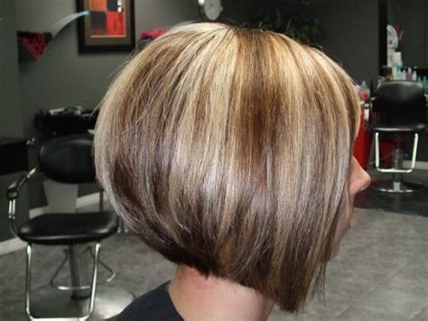 swing cut side view of graduated bob haircut with highlights