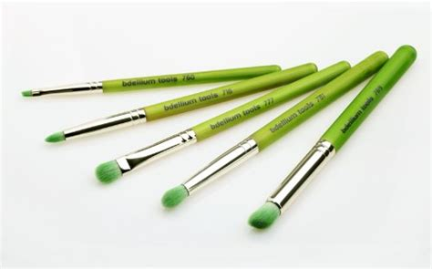 Blending Eye Brush By Peony soho disney 3 brush set
