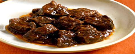 cucinare cinghiale spezzatino spezzatino di cinghiale al vino sale pepe