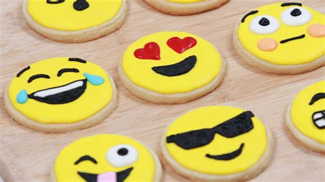 cookie emoji how to emoji cookies nerdy nummies