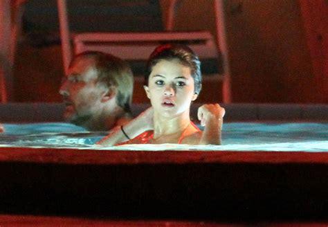 film on hot tub water selena gomez photos vanessa selena and ashley film a