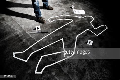 Back On With The by Meurtrier Sur Le Lieu Du Crime Photo Getty Images