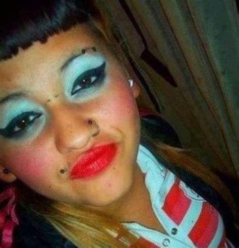 Imagenes De Uñas Mal Pintadas | 25 maquillajes horribles fress