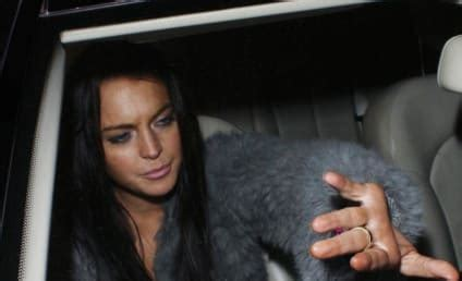 Is Lindsay Lohan Threesomes by Ronson Page 2 The Gossip