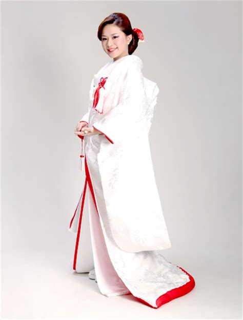 Wedding Kimono by Wedding Kimono Weddings Kyoto Wakon Watabe Wedding