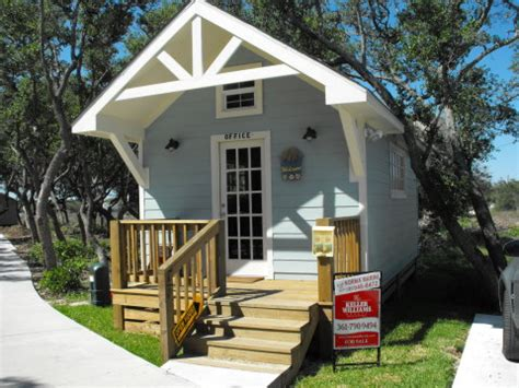 Cabins For Rent In Rockport Tx by Rockport Cottage Copano Cottages Rockport