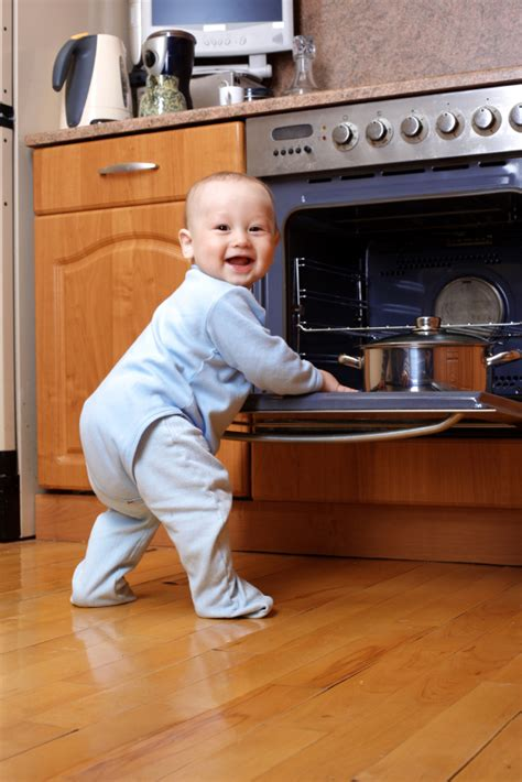Exles Of Accidents In The Kitchen by Babyproofing Your Home