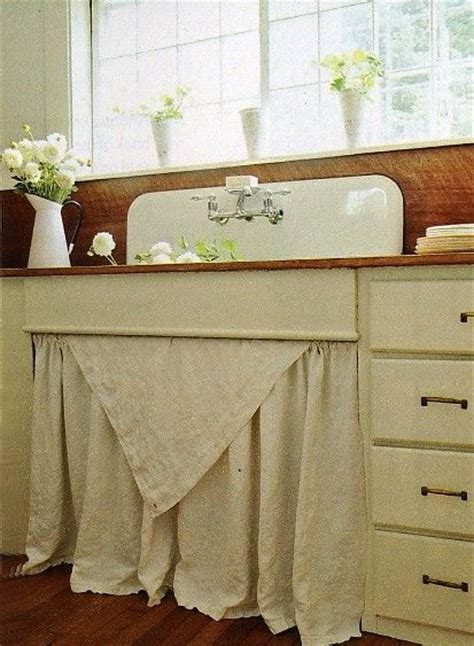 kitchen sink curtain ideas 1000 ideas about vintage farmhouse sink on pinterest