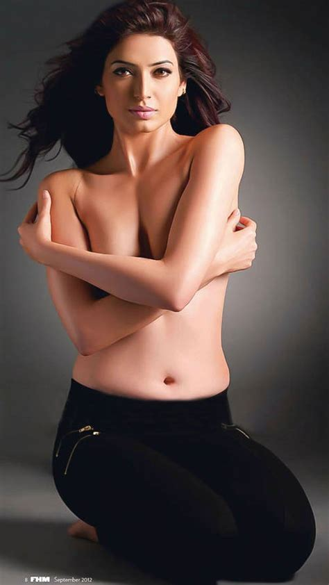 Tvs Sexiest by Karishma Tanna Wallpapers Pictures Bra