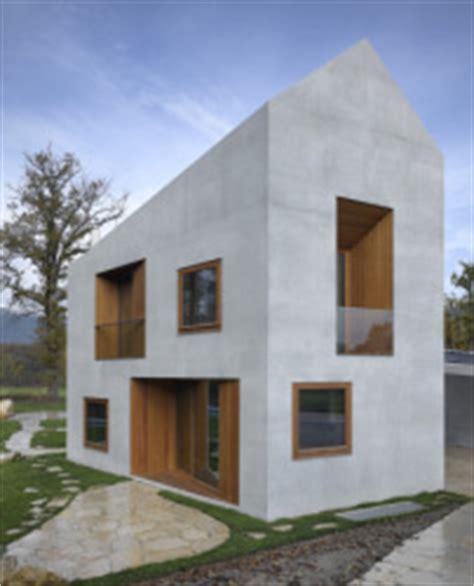 Wandle Aus Holz by Villa In Genf Satteldach Aus Beton Architektur Und