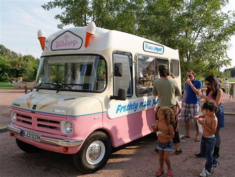 eis wagen mr whippy 180 s frozen yogurt truck
