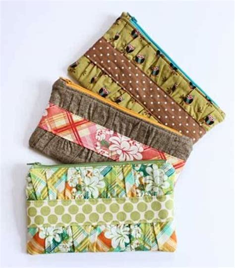 free pattern lined zippered pouch 10 free zipper pouch patterns
