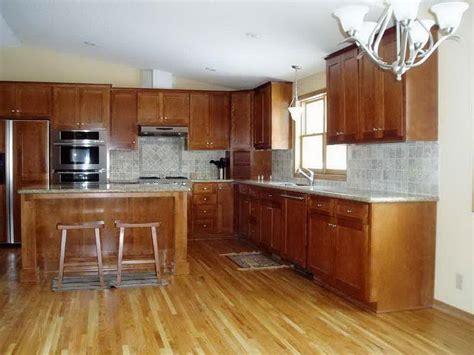 selecting   kitchen paint colors  maple