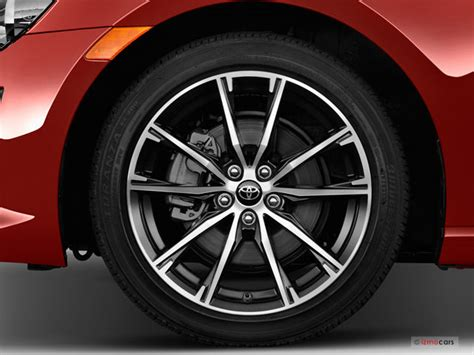 Wheels Toyota 86 2017 Toyota 86 Pictures Wheel Cap U S News World Report