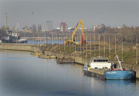 scheepvaart nieuws fok nl nieuws scheepvaart maas stilgelegd na ongeval
