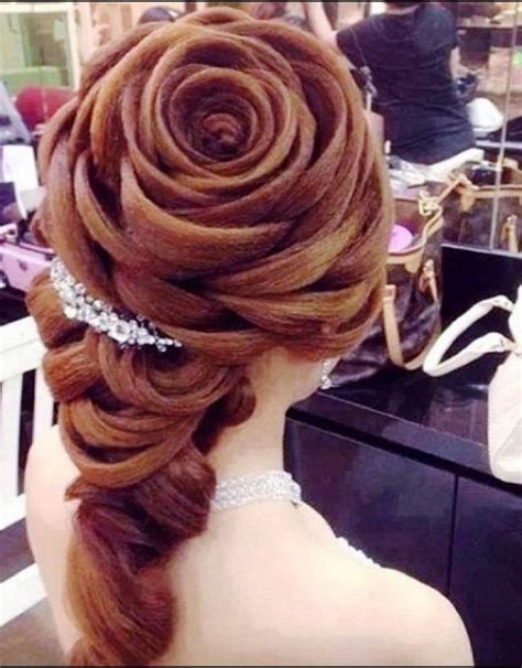 wedding hairstyles curly hair veil curly wedding hairstyles with tiara and veil hollywood
