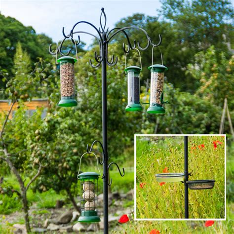 deluxe feeding station with feeders feeding stations