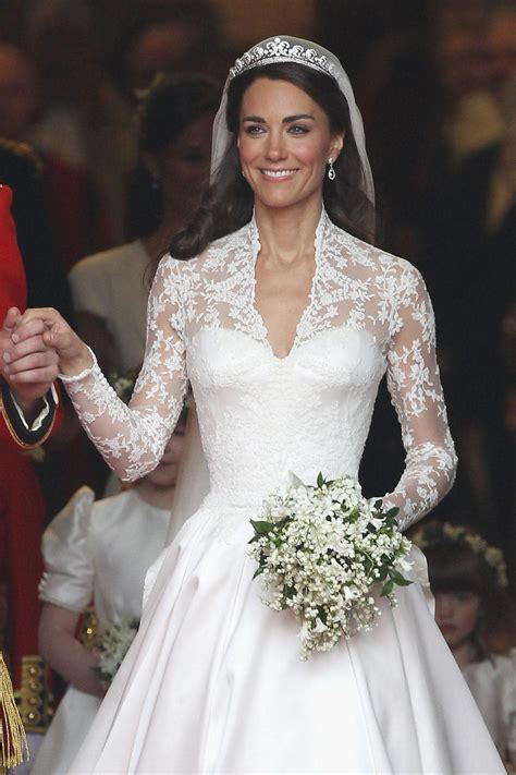hochzeitskleid meghan markle preis h m selling kate middleton s wedding dress for 300