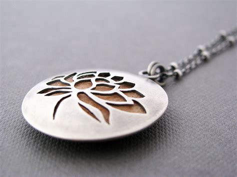 aromatherapy essential diffuser necklace judit
