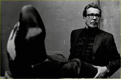 darkest hour playing gary oldman reveals the challenge of playing winston