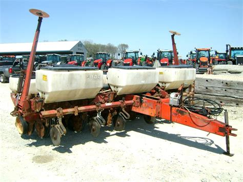 White 5100 Planter For Sale by 1983 White 5100 Planting Equipment Planters For Auction