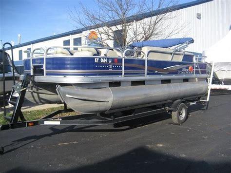 pontoon boats for sale cincinnati suntracker boats for sale in cincinnati ohio