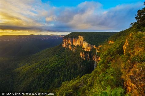blue mountains nsw bridal veil falls at govett s leap lookout