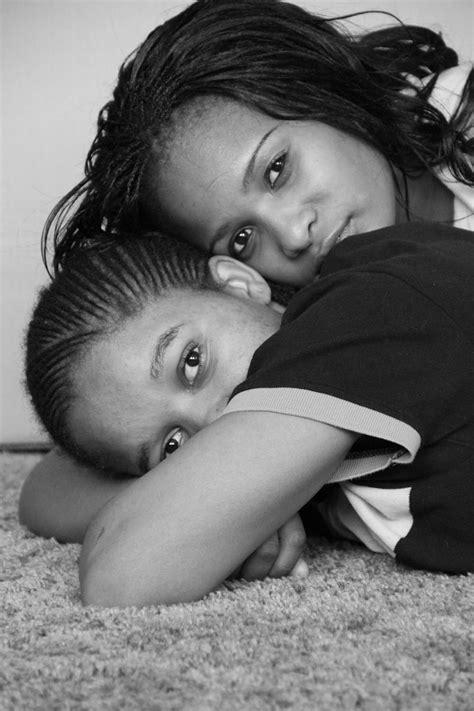 black women eating white pussy lesbian black and white facesit sex