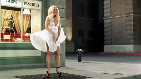 Lindsay Lohan As Marilyn Five Outtakes by Lindsay Lohan Takes On Iconic Marilyn Pose For