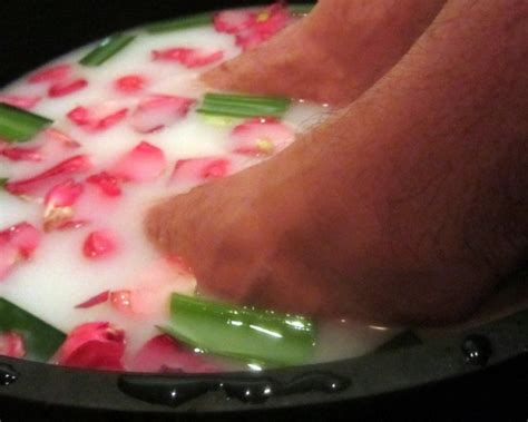 Detox Foot Bath At Home Recipe by Foot Bath Recipe Detox Foot Bath Recipes