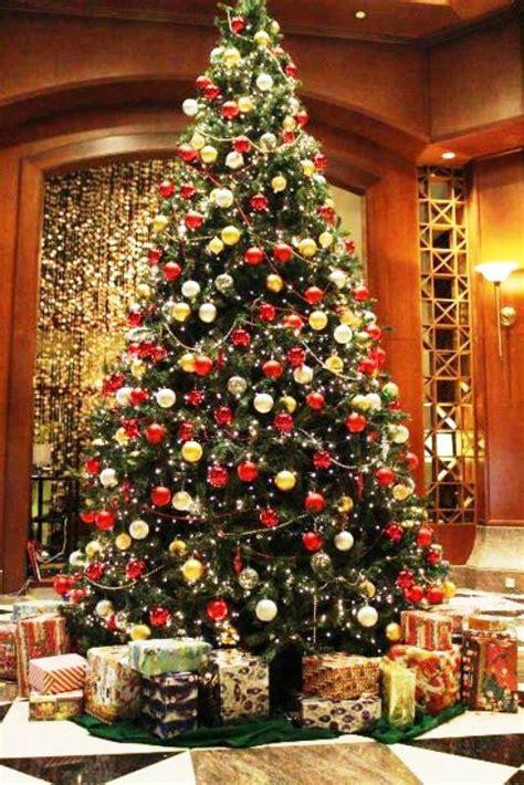 membuat dekorasi pohon natal contoh 30 pohon natal mewah dan unik chaotic