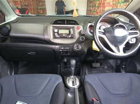 Honda Jazz 1 5 S 2009 Automatic honda jazz type s 1 5 automatic th 2009 mobilbekas