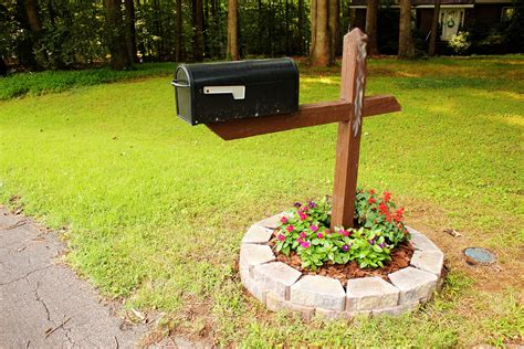 mailbox flower bed the handcrafted life simple but cute mailbox flower bed