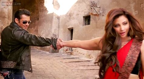 film india terbaru jai ho jai ho new stills total lack of chemistry between