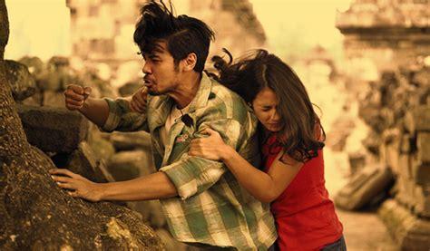 film psikopat jatuh cinta adegan romantis pevita pearce chico jericho di film