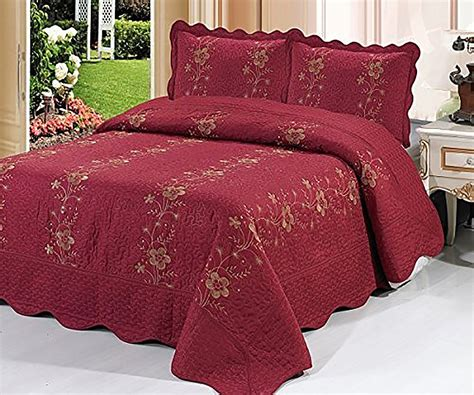 quilted bedding burgundy 3 piece quilted bedspread red burgundy quilt