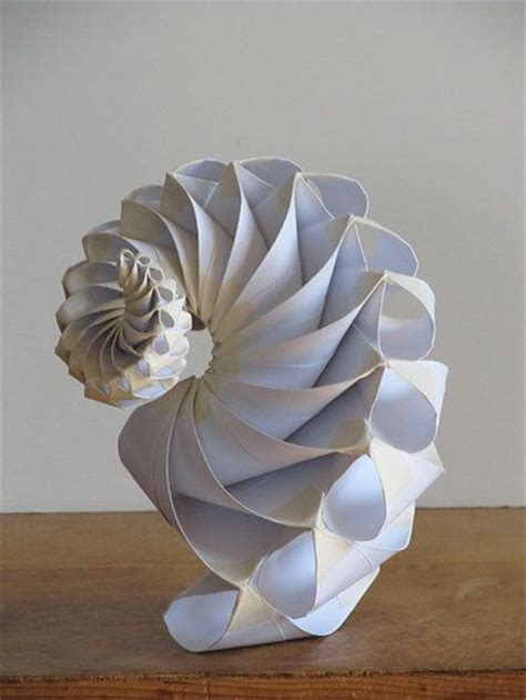 Make Paper Sculpture - 25 circles with decreasing diameters by bradford hansen
