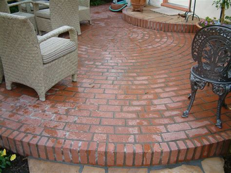 brick patio patterns circular brick patio