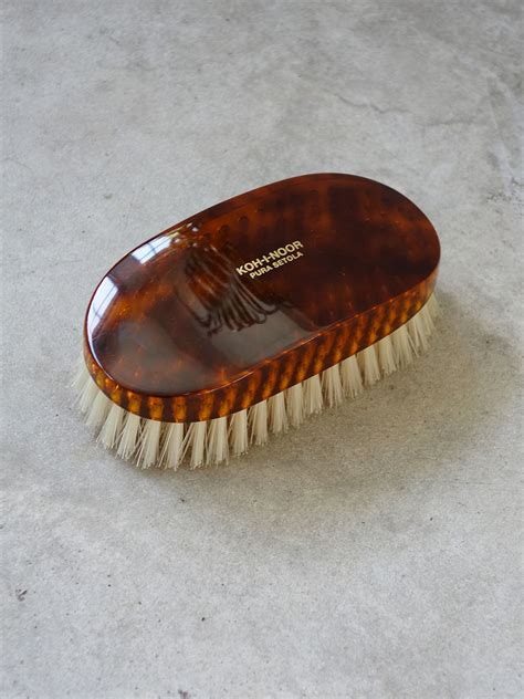 mens hair products to use with a comb men s hairbrush quite nice