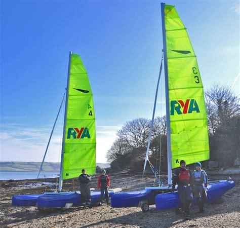 catamaran sailing courses uk rya dinghy show proved great success for uk catamaran