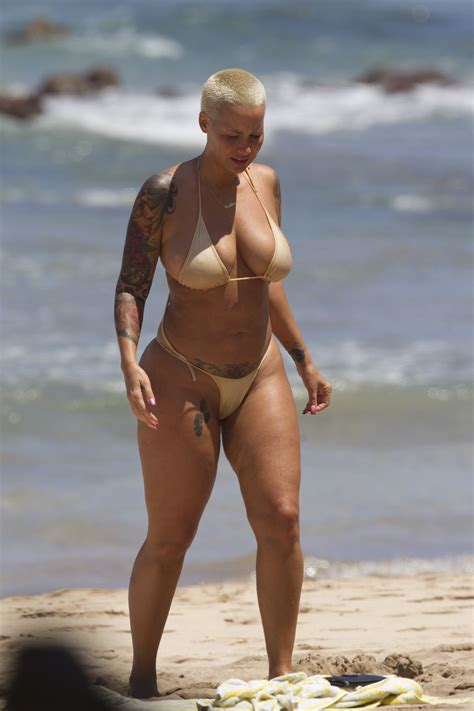 nsfw amber rose goes topless in barbados shows off her amber rose in bikini on the beach in maui 07 fabzz