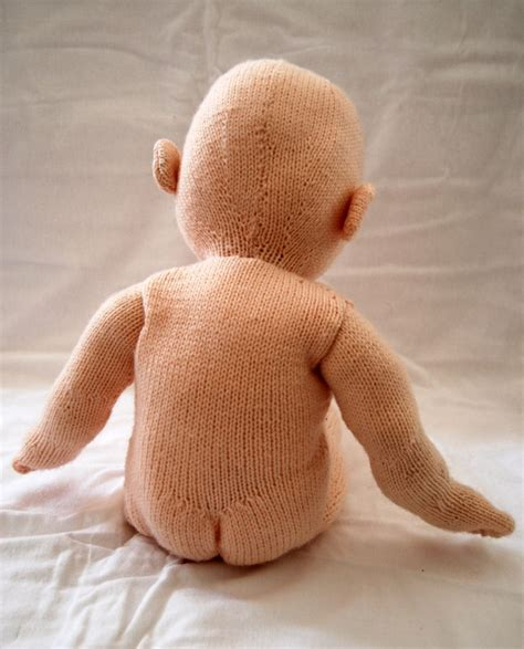 how to knit a doll pin by knitter on knitted dolls