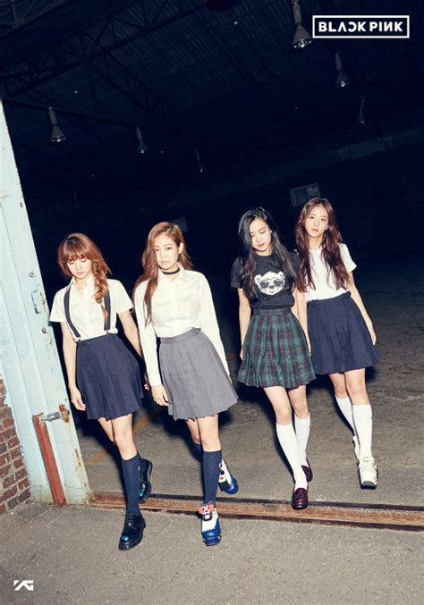 blackpink official yg reveals new girl group name and group photos soompi